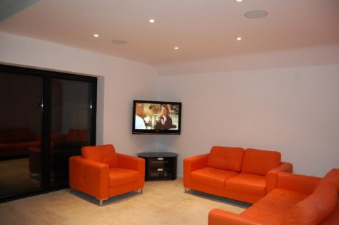 Sonance in ceiling speakers and corner mount Plasma screen